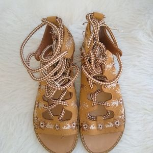 Gladiator Sandals Braided Laces Brown 5.5